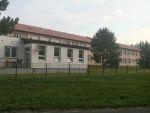 Pohled na budovu při příjezdu